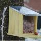Voederhuisjes en nestkasten